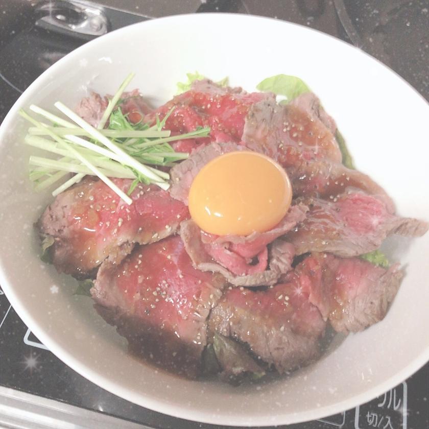 ローストビーフ丼☺️